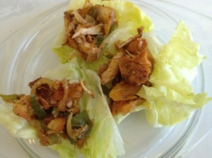 Spicy chicken in lettuce