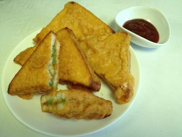 Bread Pakoda Sandwich