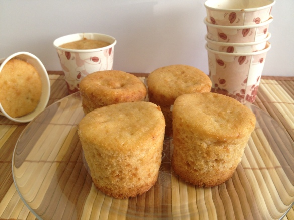 Vanilla Buttermilk Cupcakes 1