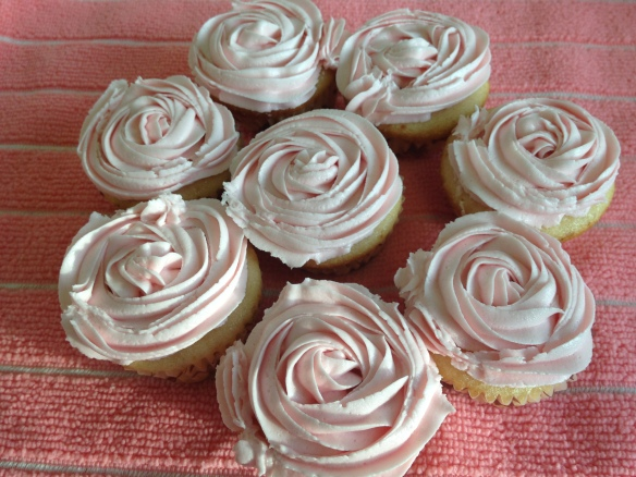 Vanilla Cupcakes with Buttercream Frosting 1
