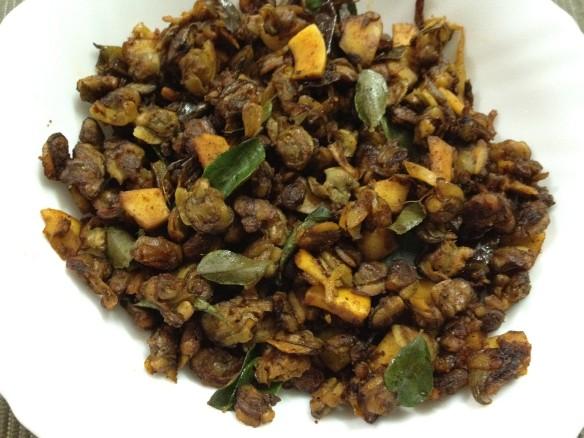 Kakka Irachi Ularthiyathu (Kerala Clams Roast)