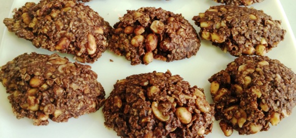 Oats Peanut and Chocolate Cluster 1