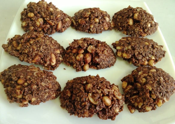 Oats Peanut and Chocolate Cluster
