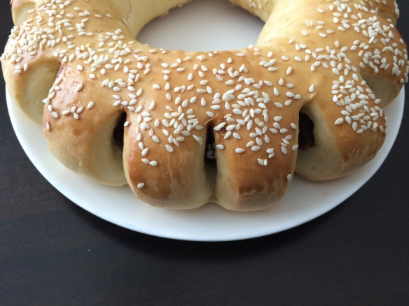 Date bread ring