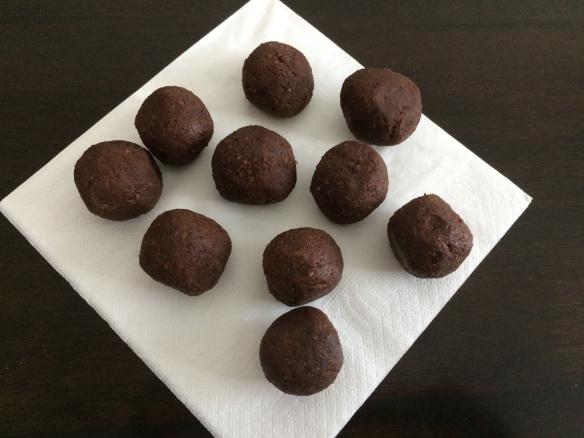 black-beans-peanut-butter-energy-balls
